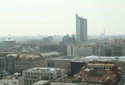 Leipzig im Dunst. Foto: Ralf Julke