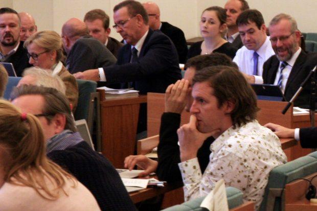 Zog bereits in einer Erklärung im Stadtrat die Reißleine für seine Fraktion: Michael Schmidt (Grüne, vr.). Foto: L-IZ.de