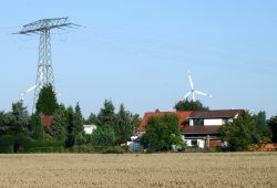 Windräder bei Plaußig. Foto: Ralf Julke