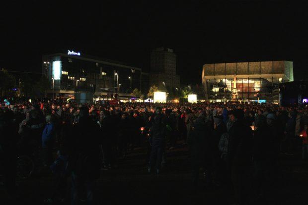 """Wer sagt gleich noch: """"Solch ein Gewimmel will ich sehn.""""? Lichtfest Leipzig. Foto: L-IZ.de"""