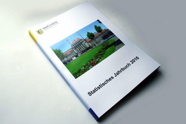 Statistisches Jahrbuch 2016. Foto: Ralf Julke