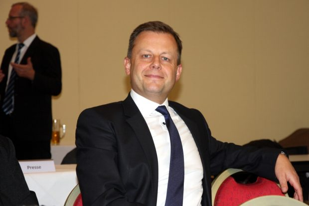 Entspannter Nachmittag für Torsten Bonew (Finanzbürgermeister Leipzig) auf dem CDU-Kreisparteitag 2017. Da gings mal ausnahmsweise nicht um ihn oder die Finanzen der Stadt. Foto: L-IZ.de