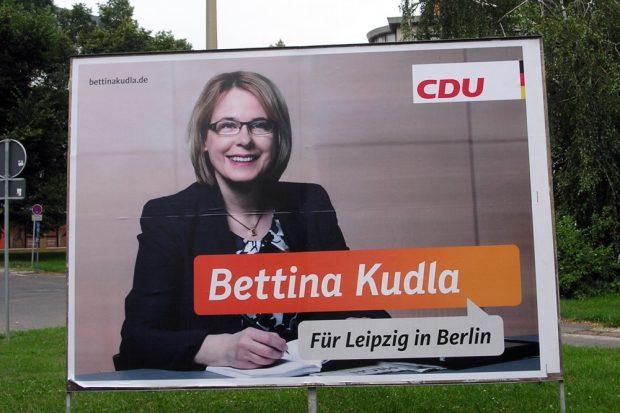 Für Bettina Kudla (hier auf einem Plakat 2013) könnte es eng werden. Foto: L-IZ.de