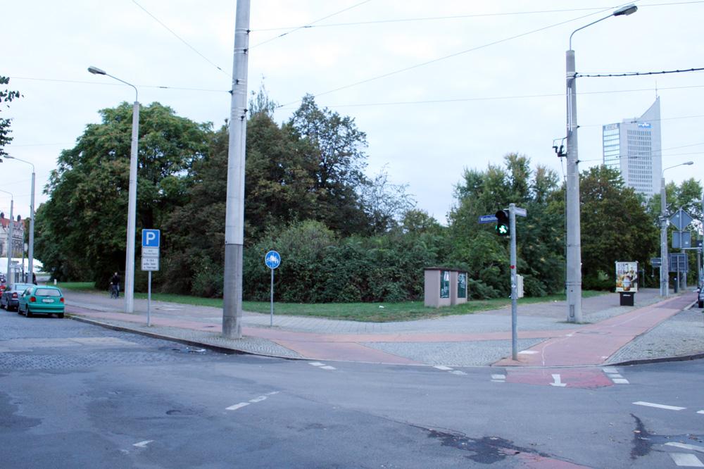 Auf diese Grüninsel an der Windmühlenstraße soll das Institut für Länderkunde. Foto: Ralf Julke