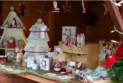 Weihnachtliche Basteleien und schöne Geschenkverpackungen - da können auch unkreative Männer rechtzeitig ein tolles Geschenk erstehen. Foto: BROT & KEES