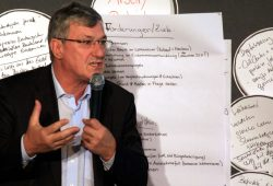 Bernd Riexinger (Bundesvorstand Die Linke) auf der Themenkonferenz in Leipzig. Foto: L-IZ.de