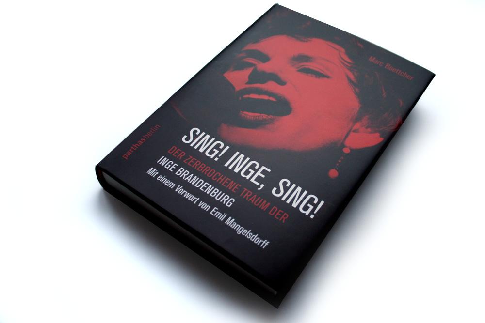 Marc Boettcher: Sing! Inge, sing! Foto: Ralf Julke