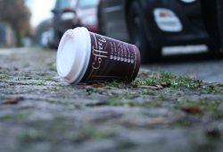 Coffee to go. Foto: Ralf Julke
