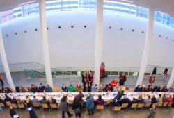 Geburtstagstafel zum Universitätsgründungstag. Foto: Swen Reichhold