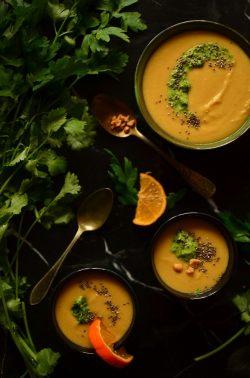 Cremige Süßkartoffel-Linsen-Suppe. Foto: Maike Klose