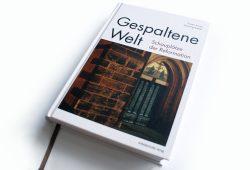 Günter Kowa, Henning Kreitel: Gespaltene Welt. Foto: Ralf Julke