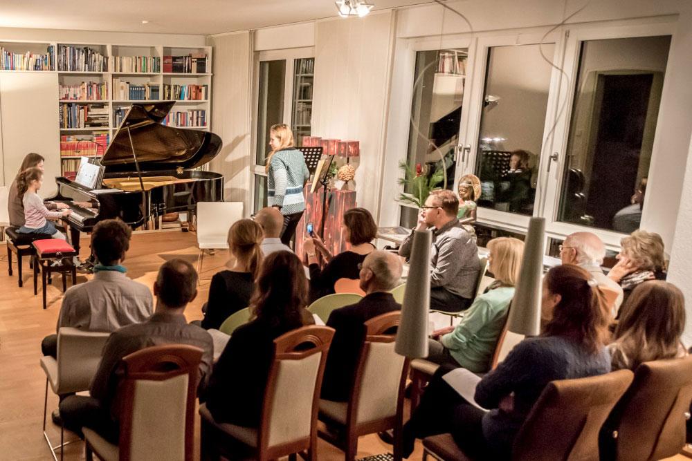 Hausmusik in einer Gohliser Wohnung bei der 1. Notenspur-Nacht der Hausmusik. Foto: Daniel Reiche