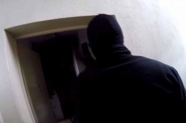 Überfall auf die Wohnung von Istvan R. Foto: Screenshot Bekennervideo