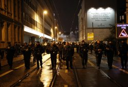Polizeieinsatz bei Legida am 7. November 2016. Foto: L-IZ