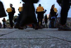 Am 4. November vor dem Hauptbahnhof. Stehenbleiben oder Weitergehen? Foto: L-IZ.de