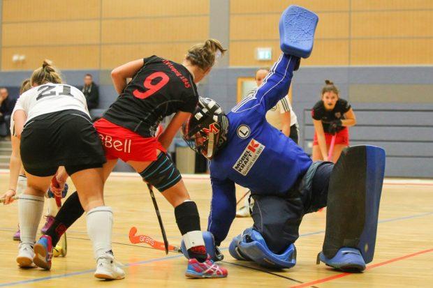 Szene aus der vergangenen Saison: Fast auf den Tag genau vor einem Jahr (05.12.2015) hatten die ATV-Damen den TuS Lichterfelde ebenfalls knapp besiegt. Foto: Jan Kaefer (Archiv)