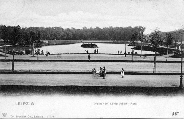Der Weg zwischen Stadtkern und Westen - um 1900 noch der König-Albert-Park, eine etwa 30 Hektar große Grünanlage in Leipzig. Er ist inzwischen ein Teil des Clara-Zetkin-Parks. Bild: Stadtarchiv Leipzig