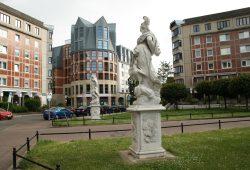 Dorotheenplatz mit Blick zur Reichelstraße. Foto: Ralf Julke
