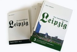 """Der Registerband und die drei Bände """"Das tausendjährige Leipzig"""" von Peter Schwarz. Foto: Ralf Julke"""