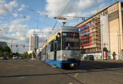 Linie 14 der LVB am Augustusplatz. Fpto: Ralf Julke
