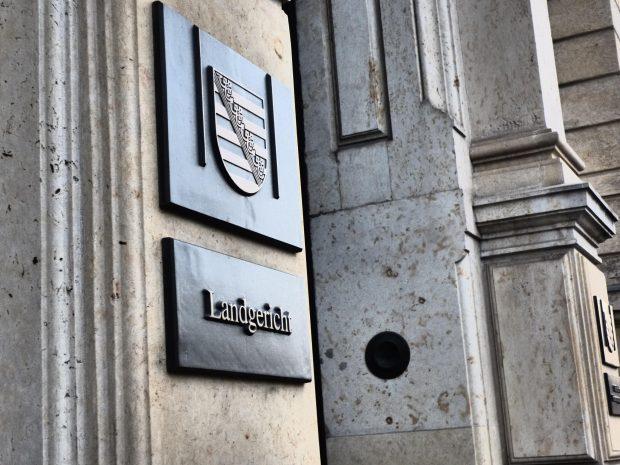 Der Haupteingang des Leipziger Landgerichts. Foto: Lucas Böhme