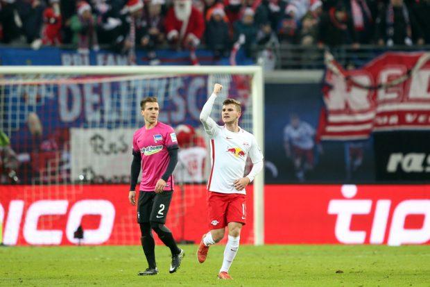 Timo Werner markiert die Führung für RBL. Foto: GEPA pictures/Sven