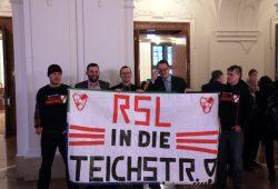 Drei für den Sportplatz Teichstraße an den RSL: Sören Pellmann, Norman Volger und Christopher Zenker - also Linke, Grüne und SPD. Foto: L-IZ.de