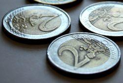 Wer bekommt wie viele schöne Euro? Foto: Ralf Julke