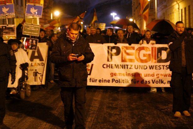 Alexander Kurth (Die Rechte) bei LEGIDA. Foto: Alexander Böhm