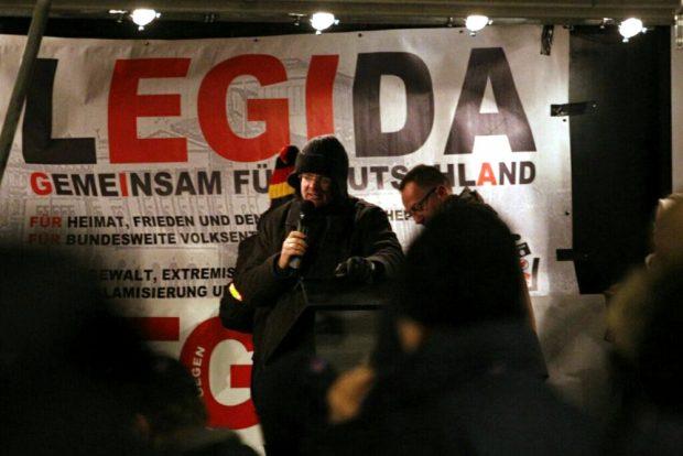 Arndt Hohnstädter moderiert das Jubiläum von Legida. Foto: L-IZ.de