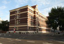 Begehrte Oberschule in Gohlis: die 68. in der Breitenfelder Straße. Foto: Ralf Julke