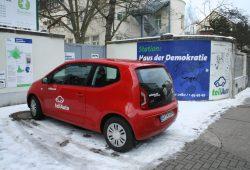Carsharing-Station am Haus der Demokratie. Foto: Ralf Julke