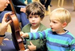 Musikalische Früherziehung in der Schola Cantorum. Foto: Friederike Hartmann