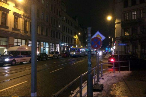 Der Verkehr in der Jahnallee steht. Foto. L-IZ.de