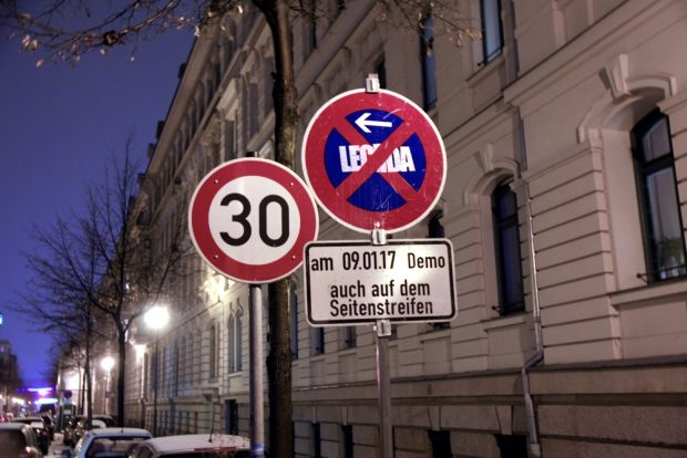 Nicht gern gesehn im Waldstraßenviertel. Legida. Foto: L-IZ.de