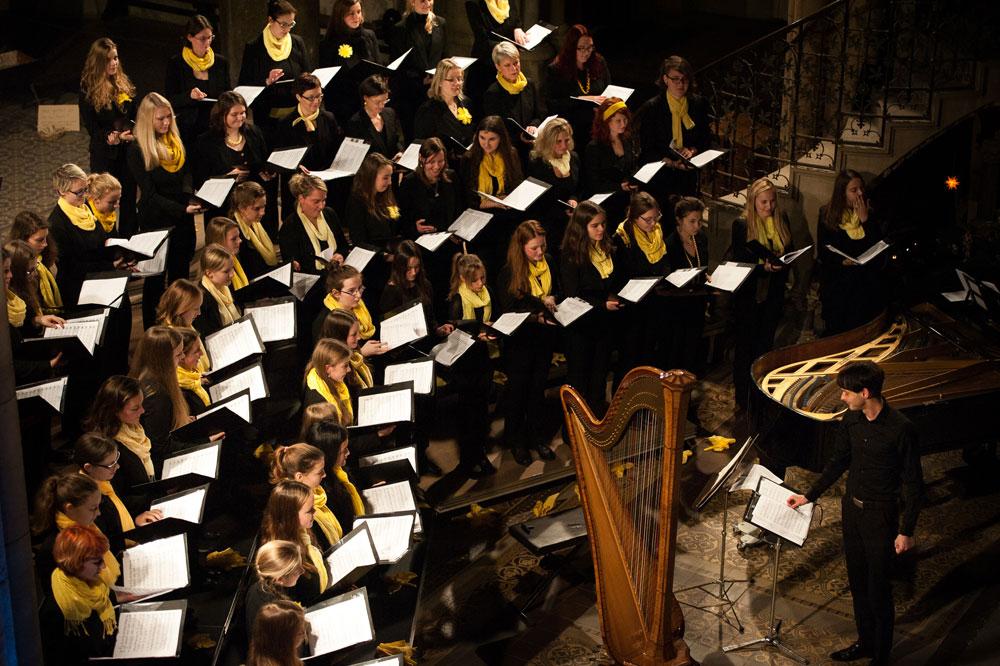 Mädchenchor und Ensemble der Schola Cantorum Leipzig. Foto: Eric Kemnitz