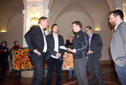 Petitionsübergabe an den OBM. Foto: L-IZ.de