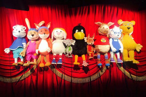 """""""Der kleine Rabe Socke"""". Foto: Rheinländisches Figurentheater"""