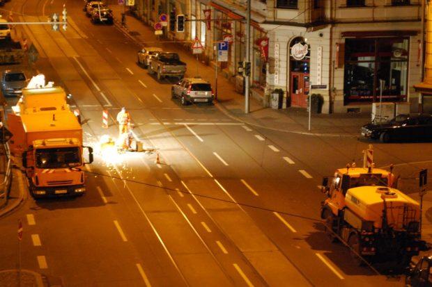 Fahrzeuge anschaffen, Schienen und Oberleitungen instandhalten und steigende Personalkosten bei der LVB treiben die Fahrpreise nach oben. Foto: L-IZ.de