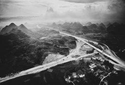 """Filmstill aus """"The Road""""."""