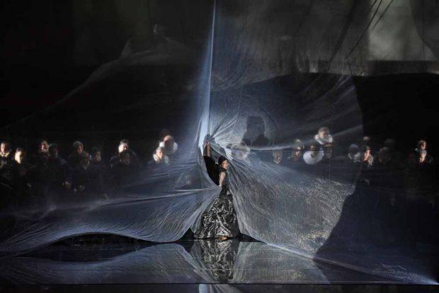 """Vincent Boussards """"Otello"""" klotzt mit visuellen Hinguckern. Foto: Forster"""