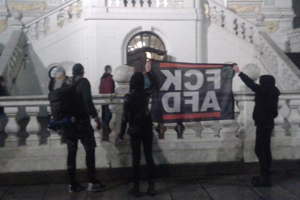 Protest gegen die AfD vor der Alten Handelsbörse. Foto: L-IZ
