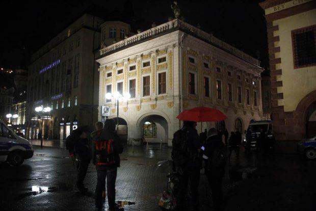 Protestkundgebung hinter der alten Börse. Foto: Alexander Böhm