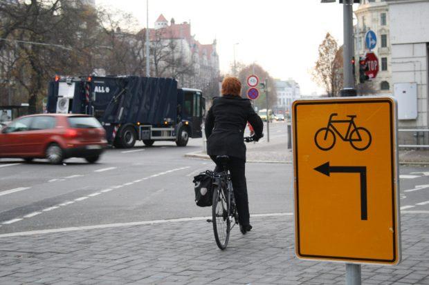 Leipzig ist voller unmöglicher Lösungen für den Radverkehr. Foto: Ralf Julke
