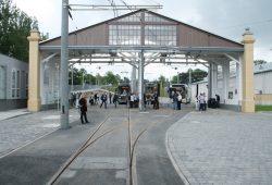 Der restaurierte Holzportikus im Betriebshof Dölitz. Foto: Ralf Julke