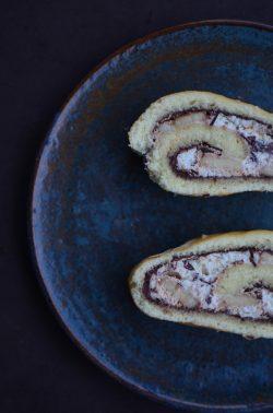 Bananen-Nugat-Biskuitrolle. Foto: Maike Klose