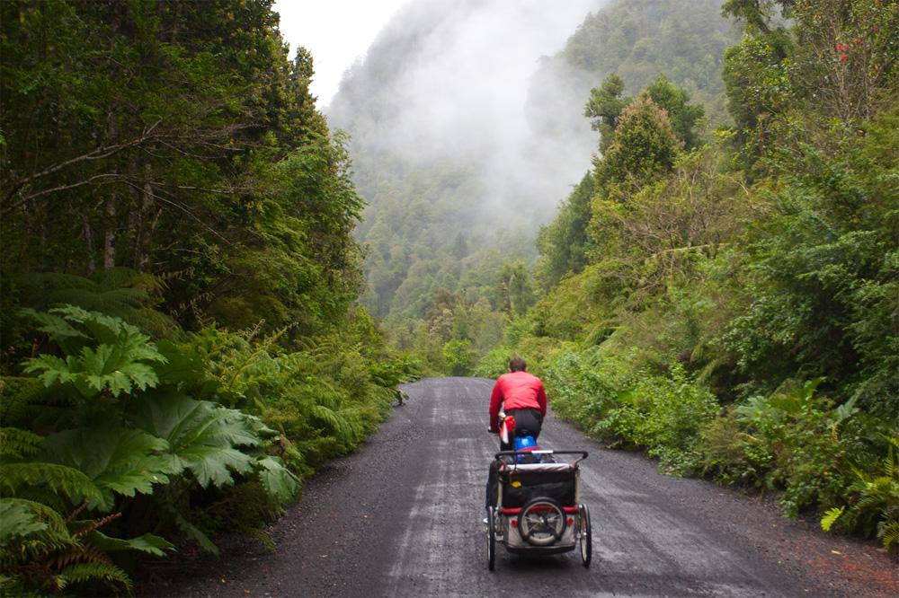 Mit 2 Kindern und Fahrrad ans Ende der Welt. Foto: privat