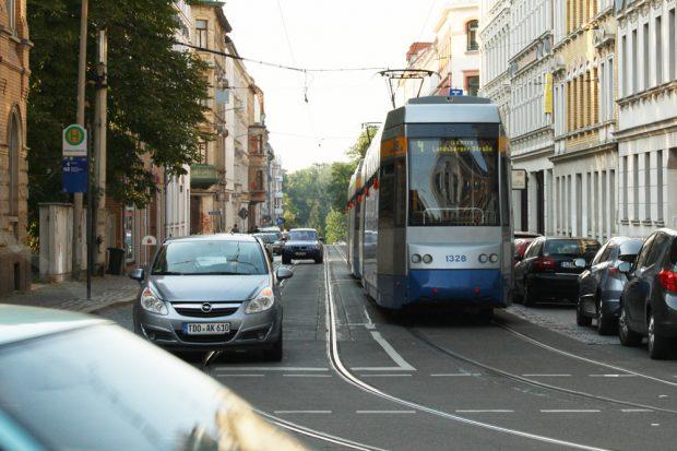 Straßenbahn in Stötteritz. Foto: Ralf Julke