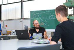 """Für einen erfolgreichen Studienstart: Mehr als 3.000 Studienanfänger haben mit Unterstützung von """"Studifit"""" ihr Wissen vor Studienbeginn aufgefrischt. Foto: Swen Reichhold/HTWK Leipzig"""