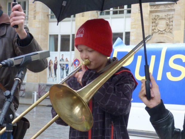 Ein 7-Jähriger blies die EU-Hymne und erhielt besonders viel Beifall. Foto: Lucas Böhme